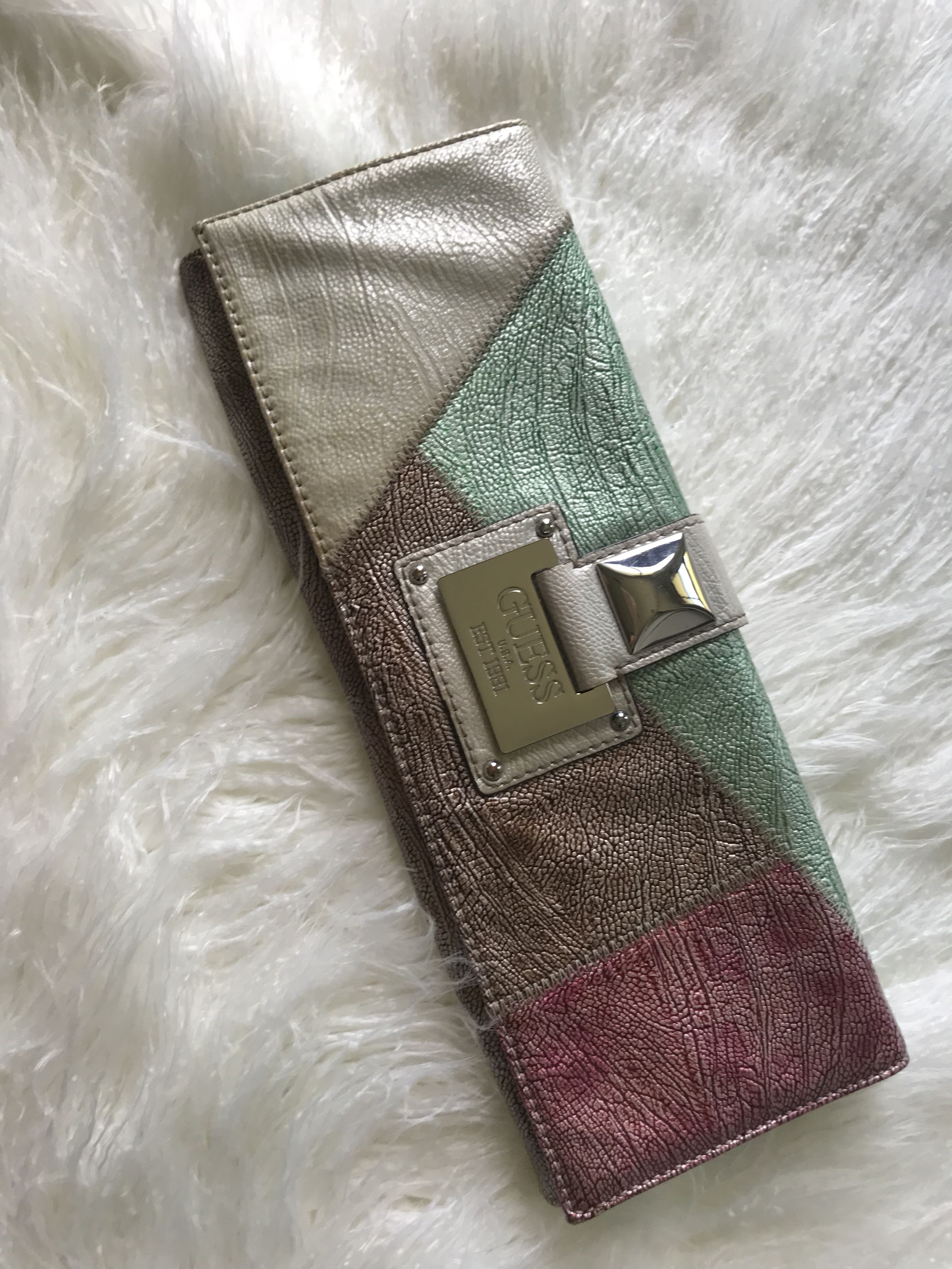Guess - Colour block clutch