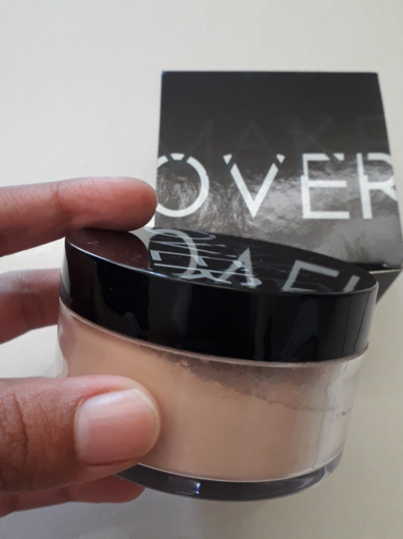 Make over loose powder silky smooth