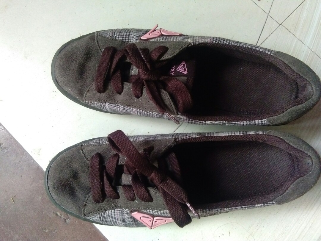 83ab921fdd3e Pre loved original Roxy shoes