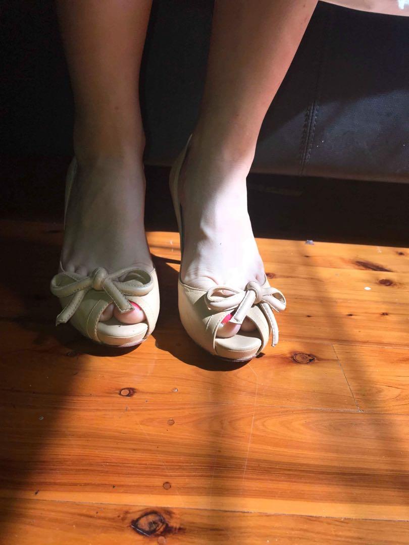 Robart Robart nude heels