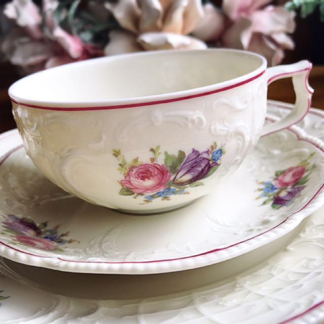 德國Rosenthal SANSSOUCI聖蘇西宮廷古典浮雕粉紅描邊花卉三件式花茶杯盤組