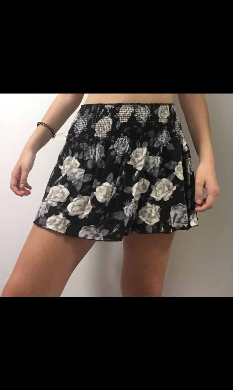 super cute abercrombie and fitch skirt!!