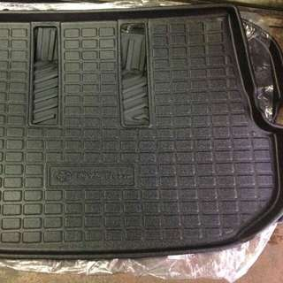 Fortuner trunk tray