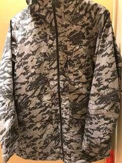 The North Face TNF Waterproof camo skiing jacket迷彩 滑雪防水褸防水外套