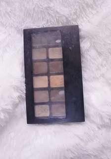 MAYBELLINE THE NUDES PALLET / EYESHADOW PALLETE