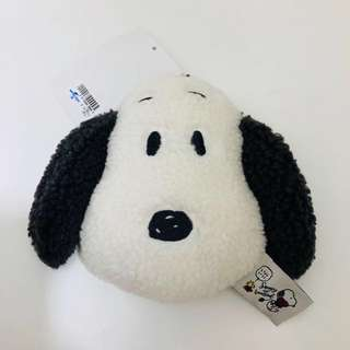 Universal studios Japan snoopy retractable card holder
