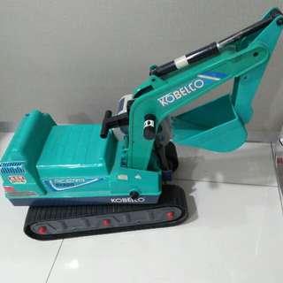 Kobelco Tractor