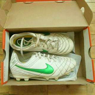 REPRICED Jr Nike Tiempo Soccer/Football shoes