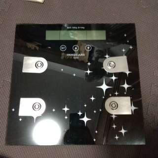 電子磅(可以測脂肪度) 黑色電池磅