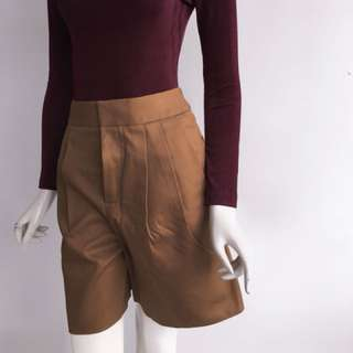 Auth Chloé tan shorts