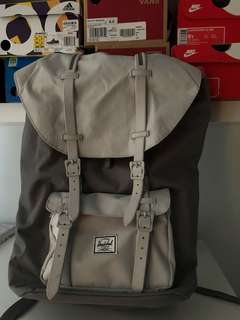 HERSCHEL backpack with Laptop space
