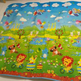 Brand New - Thick Big Play Mat with reversible pictures - Cartoon Animal on 1 side and Alphabet with Words on other side