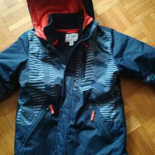 Boys size 7-8. Children's place 3 in 1 winter jacket.