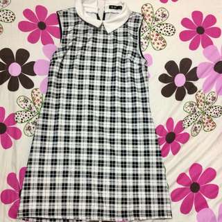 Collar type dress