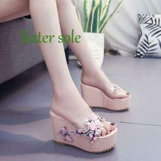 KOREAN SAKURA WEDGE rt-P530 Size : 35-39 Code : AmO SATURDAY-CUTOFF/SUNDAY-PICKUP/MONDAY-SHIPPING