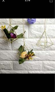 Rustic Gold Green Triangle Air Plant Holder