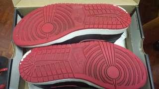 Jordan 1 mid 籃球鞋