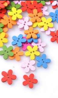 2 Holes Multicolor Flower Wooden Decorative Buttons (Scrapbooking/Sewing)