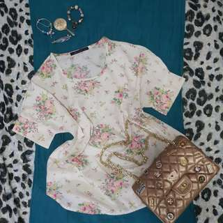 (Discounted From 230 to 180) Kirin Kirin floral blouse (color cream, with prints)