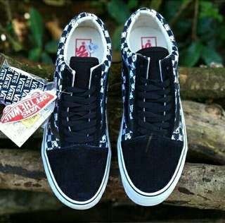 On snoopy peanuts waffle icc -Size 40 -44