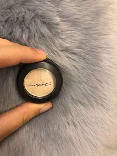 MAC NYLON SINGLE SHADOW