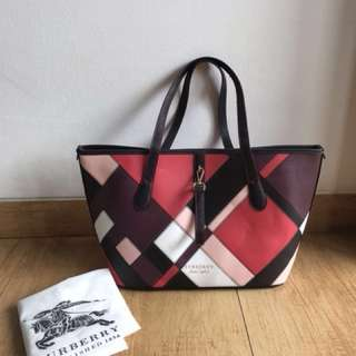 Burberry tote colorfull with pouch ( not ori )