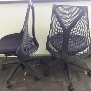 黑色保養到2022年Herman miller sayl chair