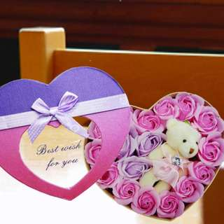 [FREE DELIVERY] Handmade Pink and Purple Rose Soap with Mini-bear in Heart-shaped Box (037-SR)