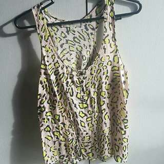 Iris Basic Cheetah Print sleeveless top