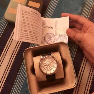 AUTHENTIC FOSSIL LEATHER SILVER WATCH