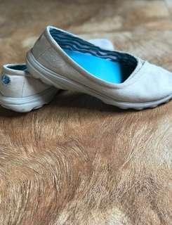 SKECHERS Slip-on Shoes preloved