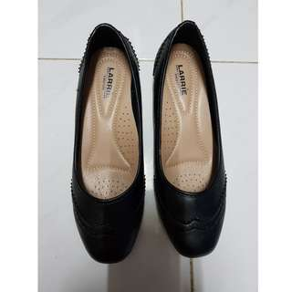 Larrie Black Work Shoes