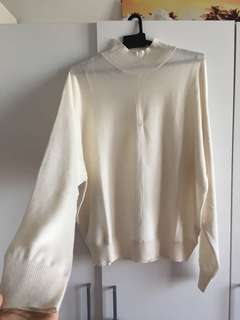 H&M white knitted highneck top