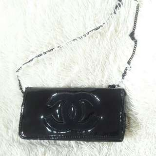 💯Authentic Chanel VIP Gift Clutch or Sling bag-Cute👍🍹🍹