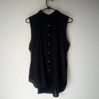 Black blouse (sleeveless)