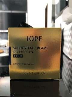 IOPE Super Vital Cream (RICH)