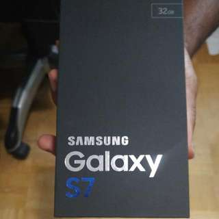 S 7 Galaxy Brand New In Box -Unlock