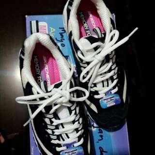 Skechers Air Cooled Memory foam