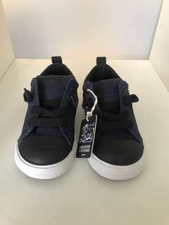 Brand new Converse all stars size 16.5cms Uk 10