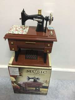 衣車音樂盒