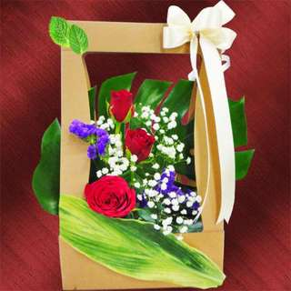 3 Red Roses in Hard Paper Container (076-RR)