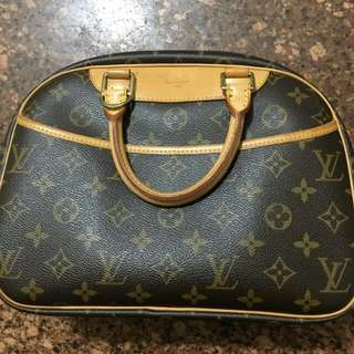 Auth Louis Vuitton Bag
