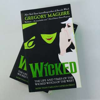 Free shipping! WICKED by Gregory Maguire