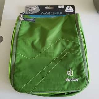deuter Wash Center 2 {Green} - Large Toiletries Bag