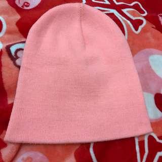 BERSHKA beanie hat
