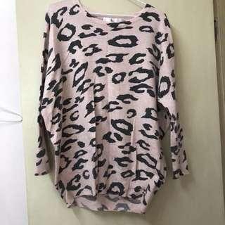 鴿子牌粉色豹紋上衣