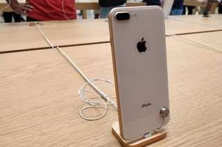 Kredit iPhone 8 Plus 64 GB tanpa kartu kredit