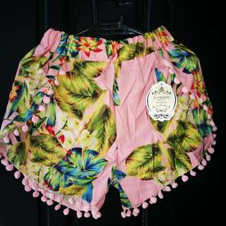 Fashion Shorts Fit S-M Size