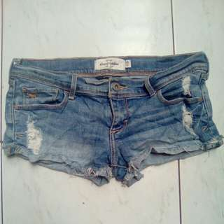 Auth Abercrombie & Fitch Ripped Short