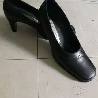 Juliana Black Leather Shoes with Heels